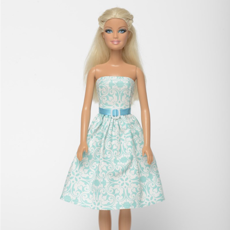 Felhők felett babaruha Barbie típusú babákra